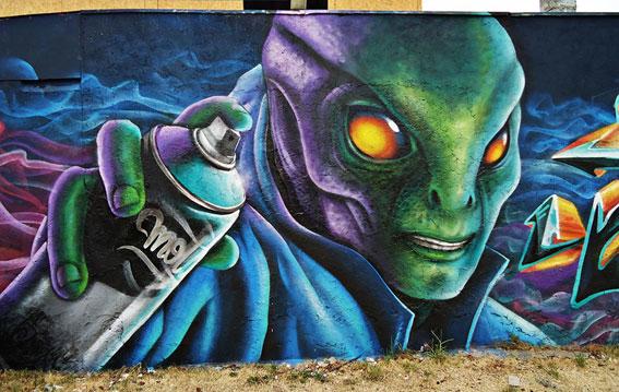 Graffiti marciano Pinturas Motta